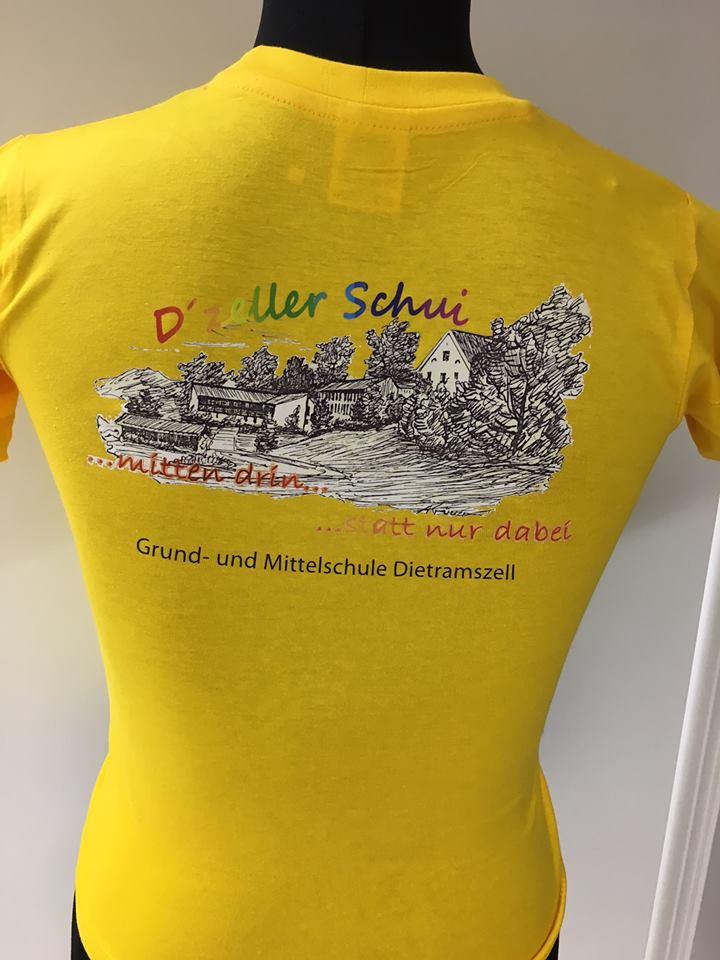 99e557014a004 Ein T-Shirt Druck für Kinder einer Schule. Für den Druck wurde ein  Weißtonerdrucker verwendet